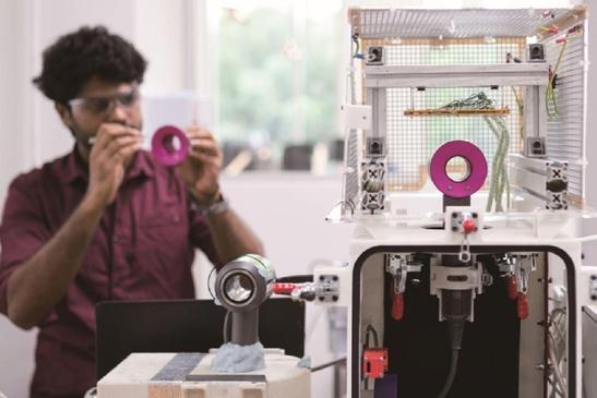 '영국의 애플' 다이슨, 청소기 혁신
