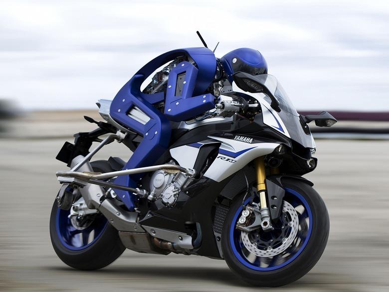 오토바이 대결서 로봇이 인간보다 32