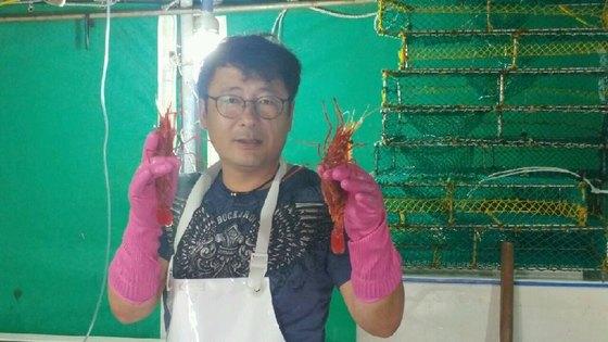 """논란의 '독도새우' 어부 """"낯선男,"""