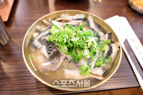 '이팝에 괴깃국' 쌀쌀한 날씨엔 뜨끈