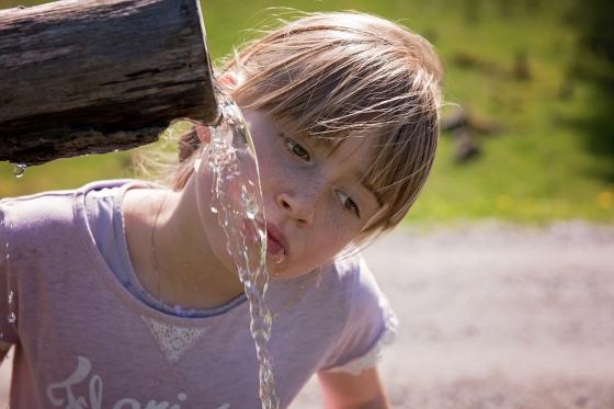 물, 마시지말고 '먹어라'?… 촉촉