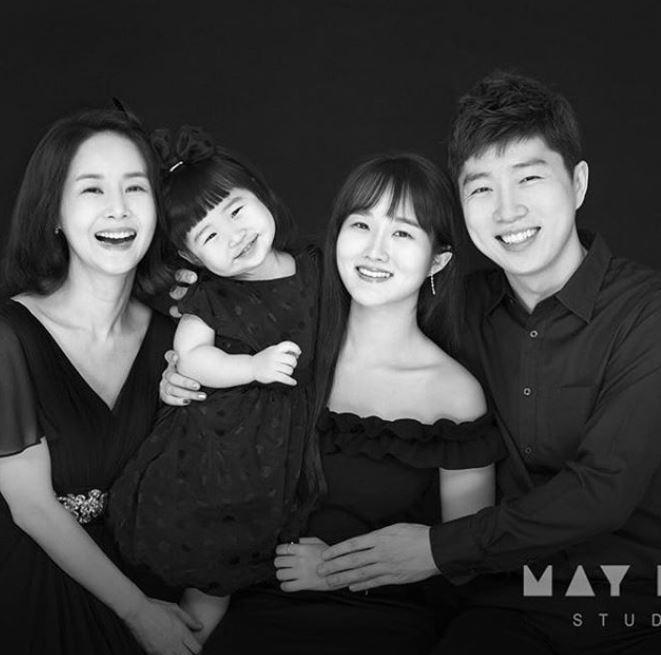 김가연♥임요환, 다정한 가족사진 공개