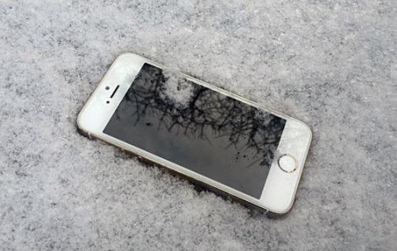 영하 날씨만 되면 꺼지는 아이폰…배터
