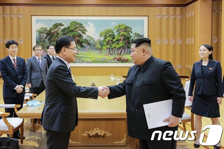 """김정은 """"조선반도 평화"""" 언급…특사단"""