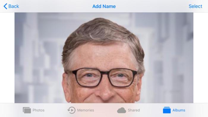"""""""단순한 라이브러리가 아니다"""" 아이폰"""