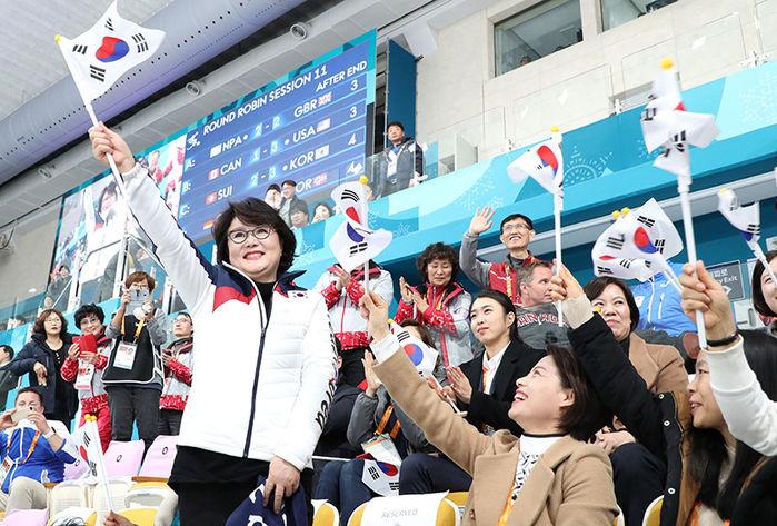 열기 저조한 패럴림픽 응원 위해 전