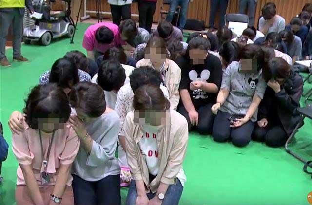 '무릎 호소' 6개월… 비장애인 세상