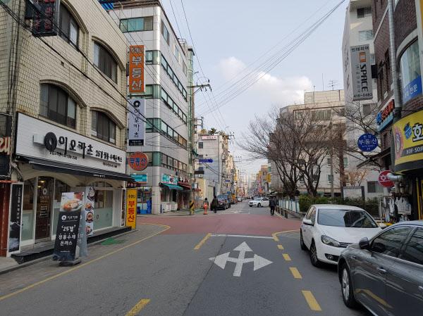 롯데월드타워에 벌벌 떨던 잠실역 상권