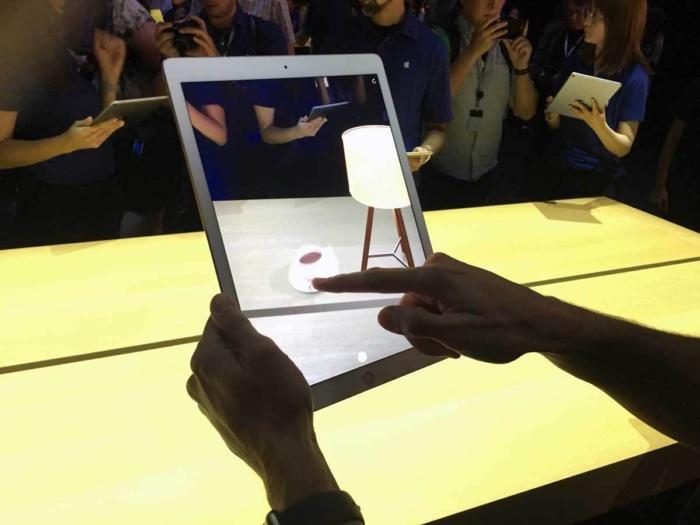 AI 비서 경쟁에서 뒤처진 시리…애플