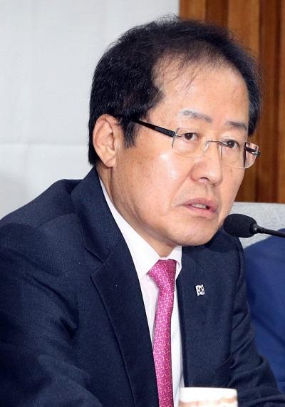 """이재명 """"형사책임 물을 것""""…홍준표"""
