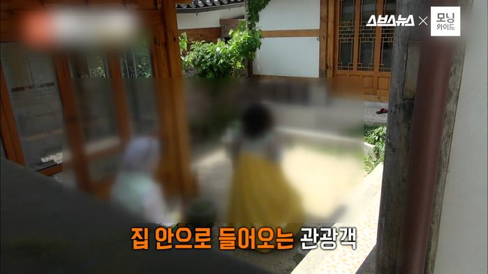 """""""X까지 싸고 갔어요""""… 관광객이 무"""