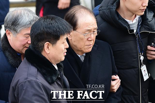 MB 재판 진풍경,'김백준 치매'?