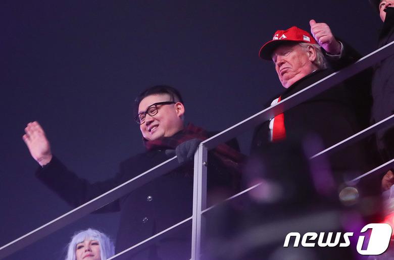 김정은 코스프레는 있는데 왜 시진핑