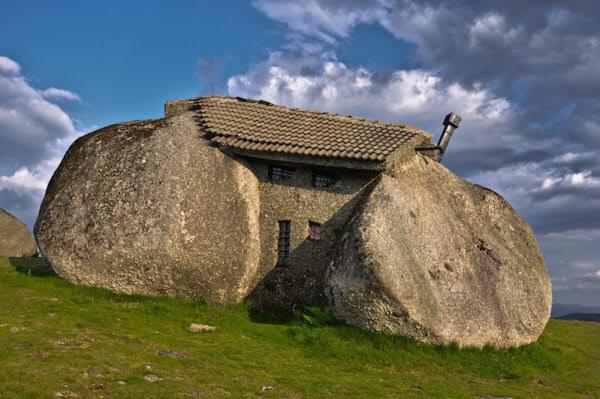 세계에서 가장 이상한 집에 꼽힌 해발