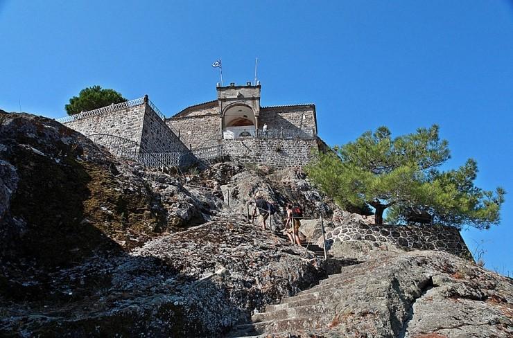 바위 위에 세운 교회