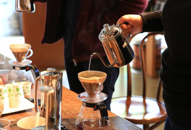 커피가 흘러간 시간과 공간을 걷다