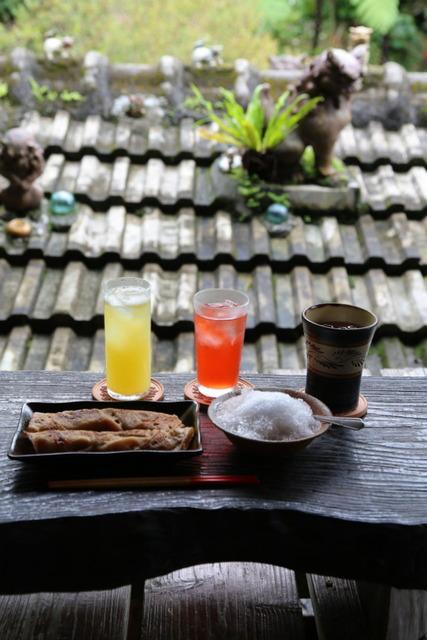 오키나와의 외딴 카페들