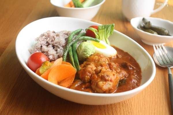 일본 카페느낌 토마토 치킨 카레