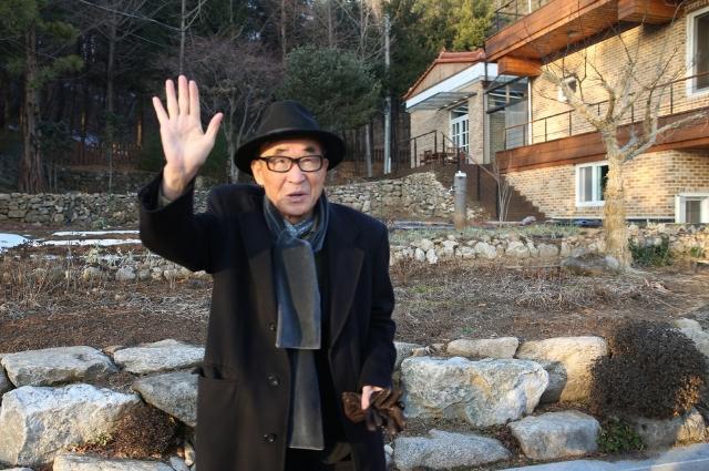 고은 시인, 한강 소설가도 문화계 블