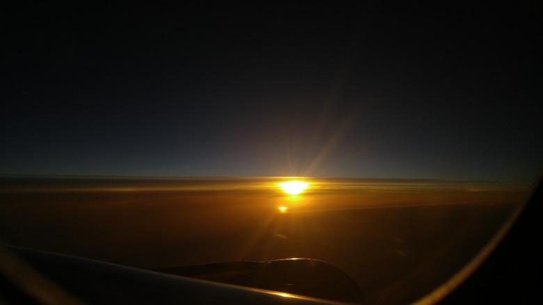 지루한 비행기 안에서 폰카로 별사진