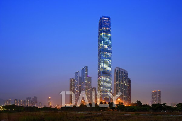 하늘 높이 치솟은 세계 고층 건물 1