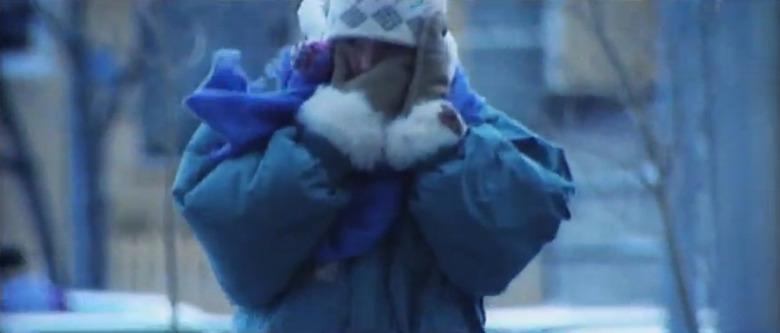추위에 떨고 있는 노르웨이 아이들을