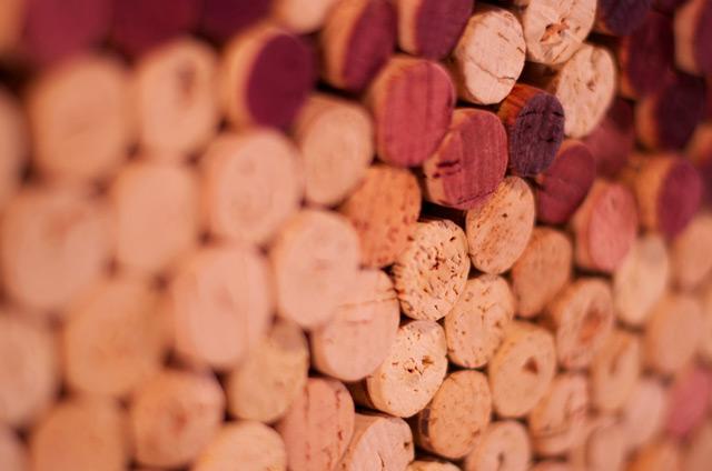 와인 코르크마개를 사용한 미술작품