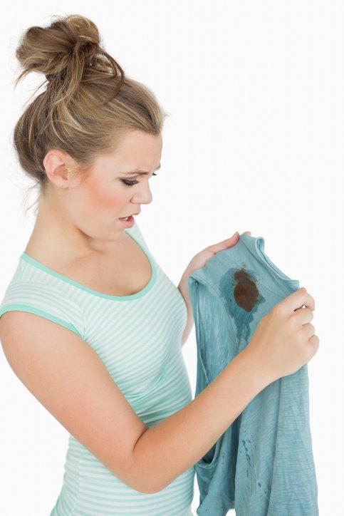 오염된 옷 깨끗하게 만드는 방법 10