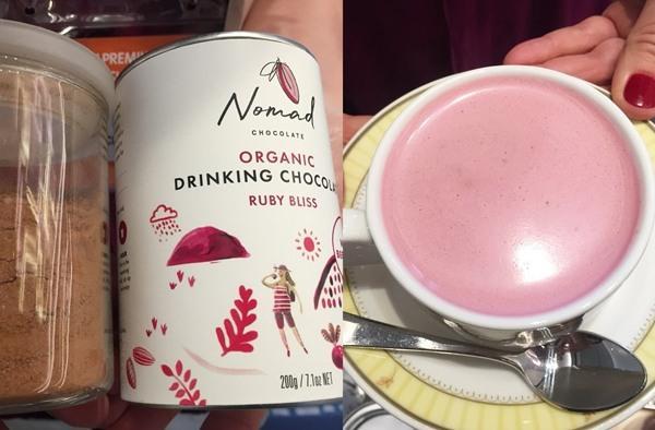 초콜릿 파우더를 우유에 탄 라떼, 매콤한 향신료를 넣었으며, 레드비트가 들어있어 핑크빛 라떼가 만들어진다.