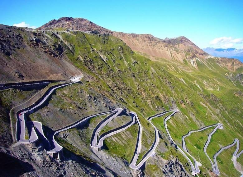 전 세계 위험천만한 죽음의 도로 10