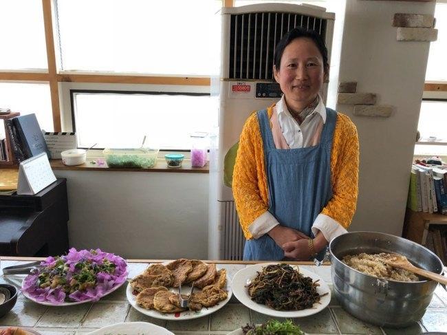 사진1=2015년 창단, 각계각층 인사가 참여하는 전국 네트워크인 '채식평화연대'의 대표인 이영미 씨.