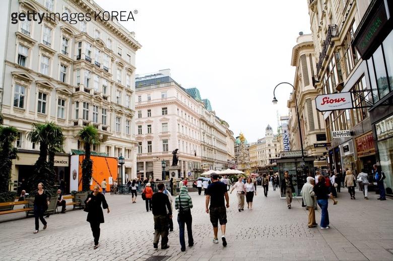 명화 산책, 명화를 따라 세계여행 즐