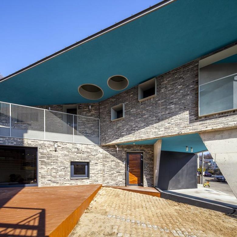 Showri Shuri house