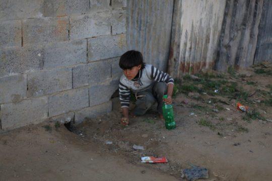 아이의 장난감을 통해 세계 소득 불균