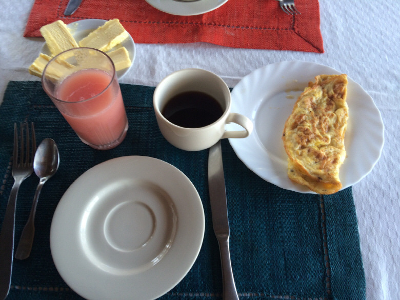 여행지의 아침을 열어준 식사들