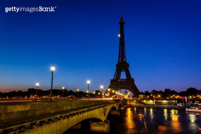 낮보다 아름다운 세계의 밤