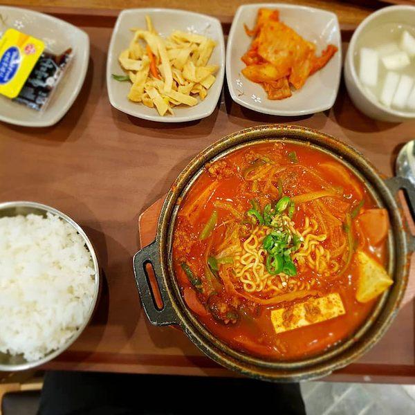 인천공항 제2여객터미널 맛집