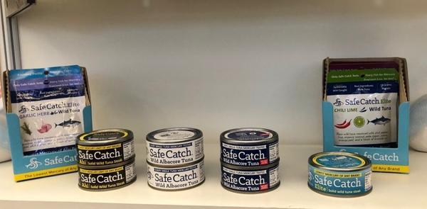 세이프 캐치 사의 참치, 연어 제품들은 수은 함량을 획기적으로 낮추고 포획 방식을 개선한 지속가능한 제품으로 업계의 주목을 받고 있다.