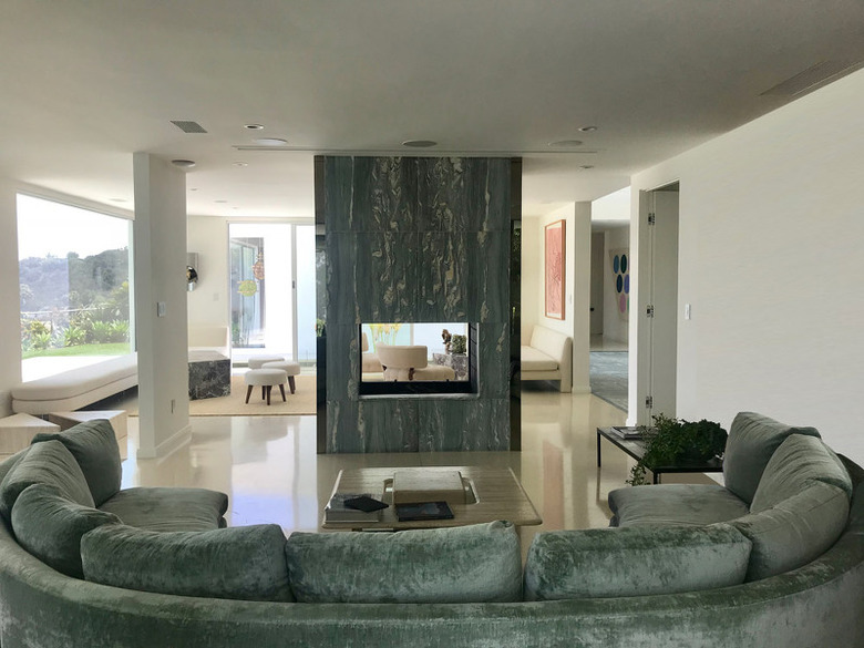 Residence Overlookin