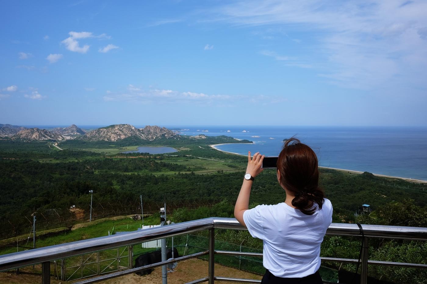 북한까지 25km…망원경 없이 금강산