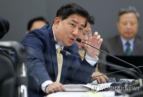 """""""軍병사 경축일 특식 연 6회…교도소"""