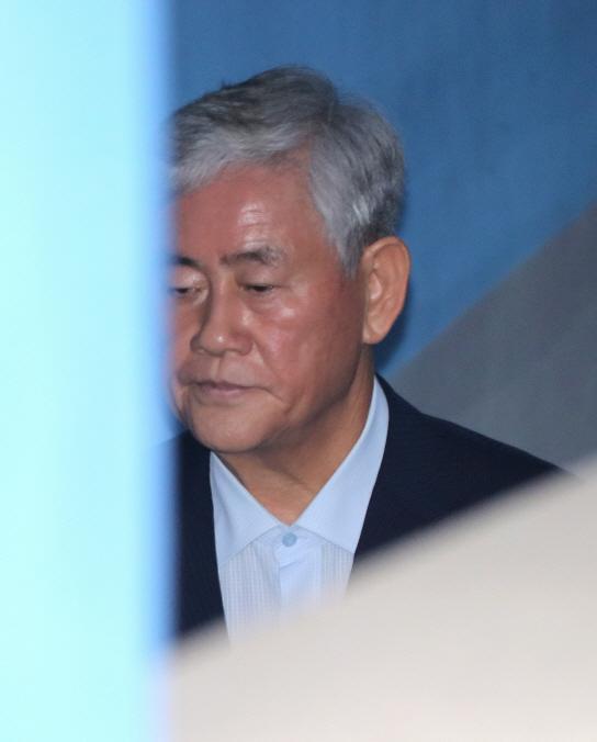 """최경환, """"특활비 1억 수수"""" 2심서"""