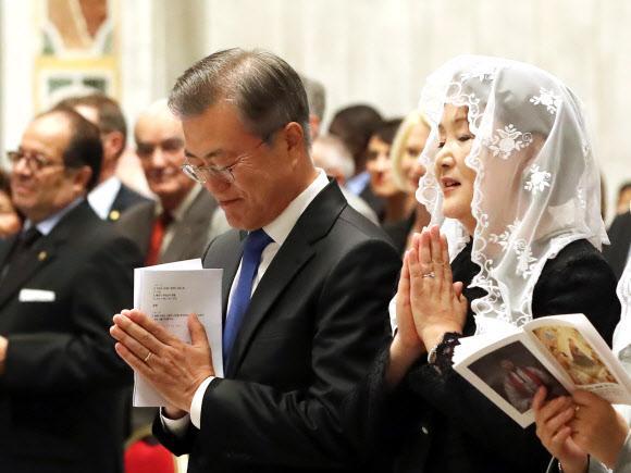 깜짝 한국어로 시작된 바티칸 미사…교