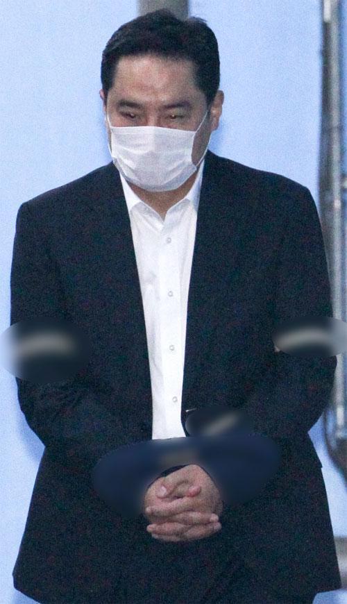 성희롱→불륜설→법정구속, 강용석의 추