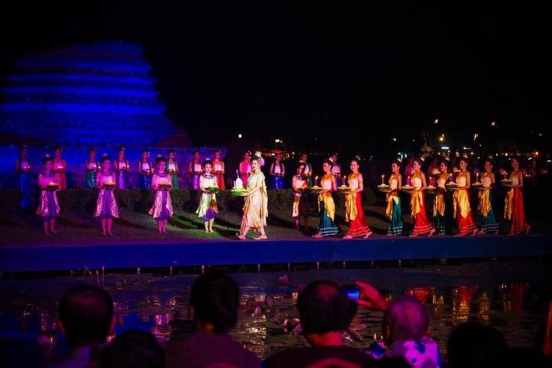 태국 러이끄라통축제/수코타이 역사공원