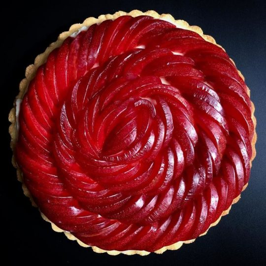 아름다운 파이를 만드는 파티시에의 비