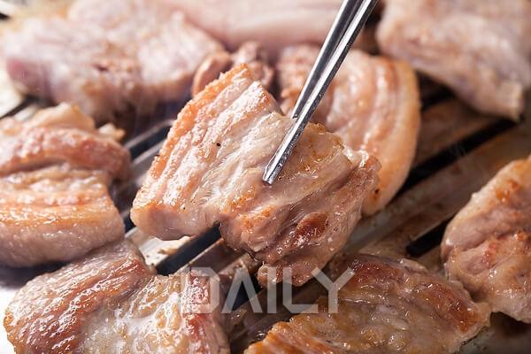 고기와 함께 먹으면 건강에 좋은 음식