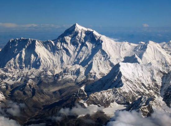 태양과 가까운 에베레스트산 정상이 왜