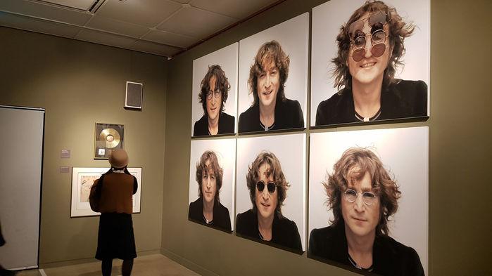 존 레논의 안경은 원래 촌스러움의 상