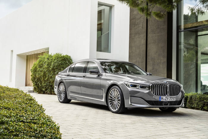 BMW, 진화한 플래그십 세단 '뉴